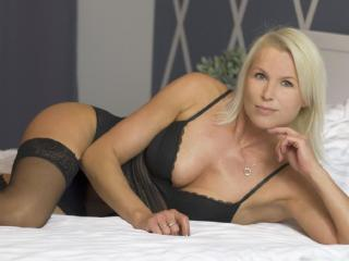 HotSexyNiki webcam